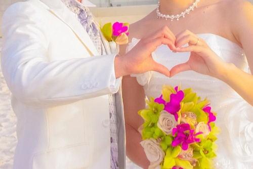 ハワイで結婚式!お幸せに~!