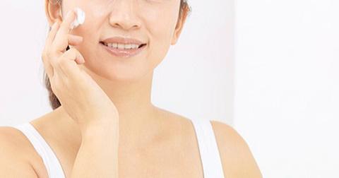 ヒルメナイドクリームは顔にも使える!