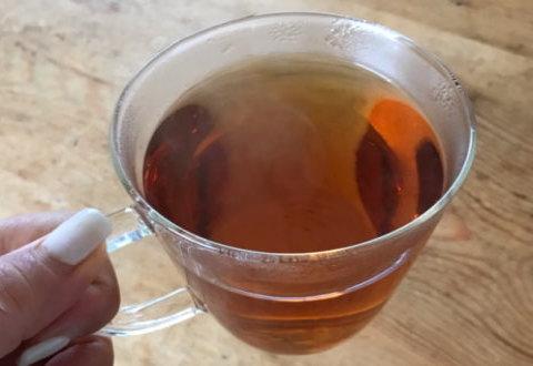 いよいよ黒モリモリスリム茶を飲んでみます!