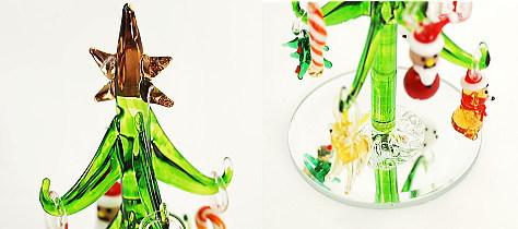 かわいいサンタさんやトナカイのオーナメント付卓上ミニサイズのガラス製クリスマスツリー