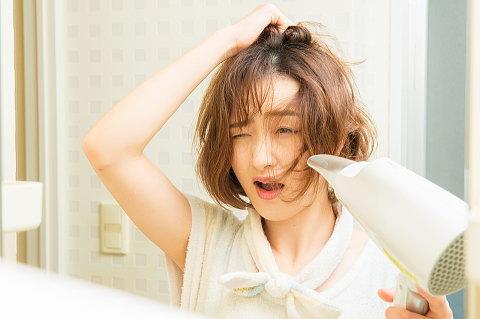 毎朝寝癖がひどい・・・