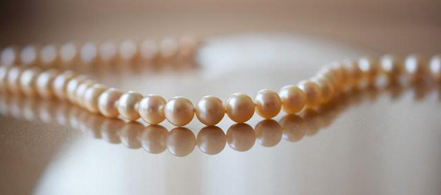 真珠と真珠の間の糸がどれくらい見える?
