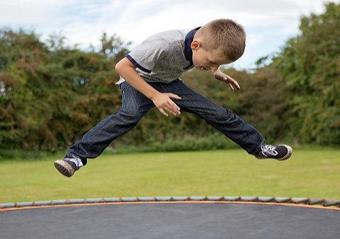 トランポリン運動で子供の運動神経はよくなる?