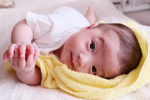 寝返りも寝返り返りもマスター赤ちゃん