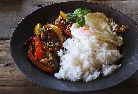 タイ料理店で食べた美味しいガパオライスを自宅で再現したい!